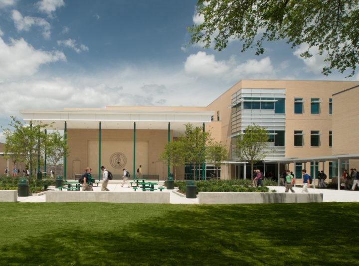 Strake Jesuit College Preparatory Science and Engineering Building